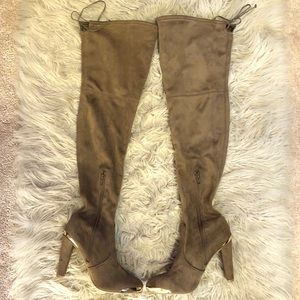 NWOT Tie-Back Over the Knee boots with gold trim